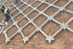 高速连锁块护坡模具施工案例
