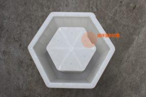 导致塑料六角护坡砖模具变形的因素