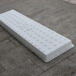 高铁沟盖板塑料模具背面