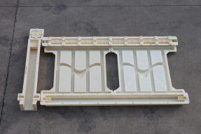 高铁桥梁围栏模具采用82型海鸥栏片