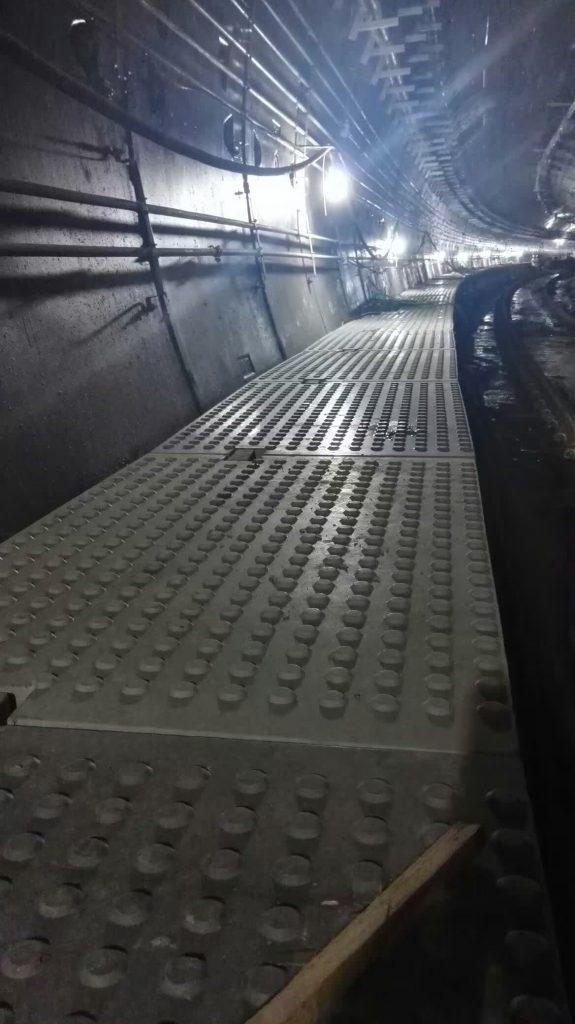 疏散平台盖板安装