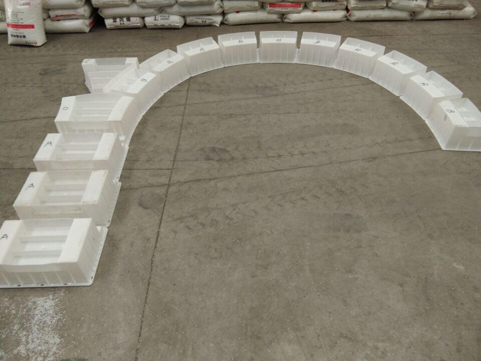 拱形骨架护坡模具