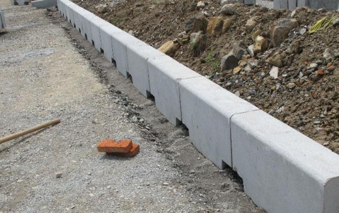 水泥路侧石
