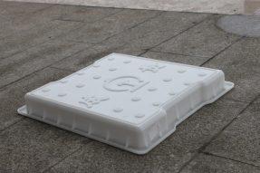 成贵高铁双缺口圆点水泥盖板模具