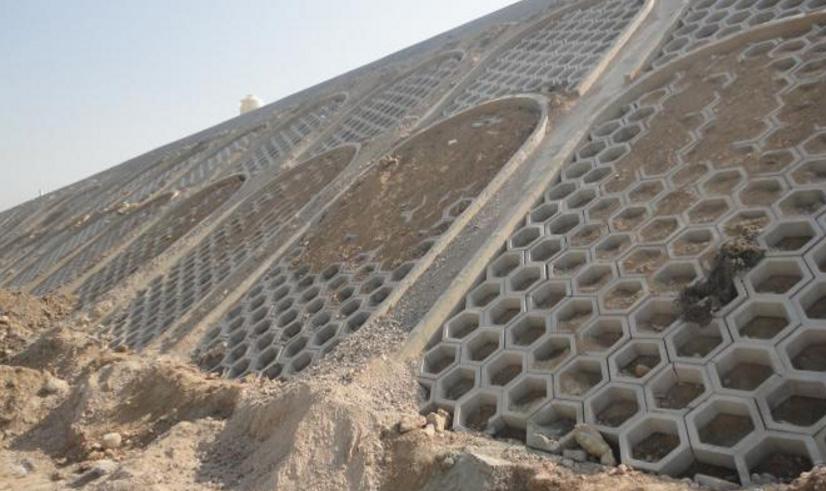 六角生态砖护坡