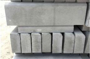 预制路缘石模具上的腰线的设计是否有利于使用