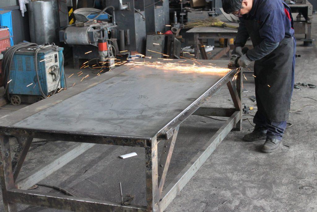 挡渣墙钢模具板材磨平