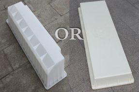 选择什么材质路沿石模具质量比较好