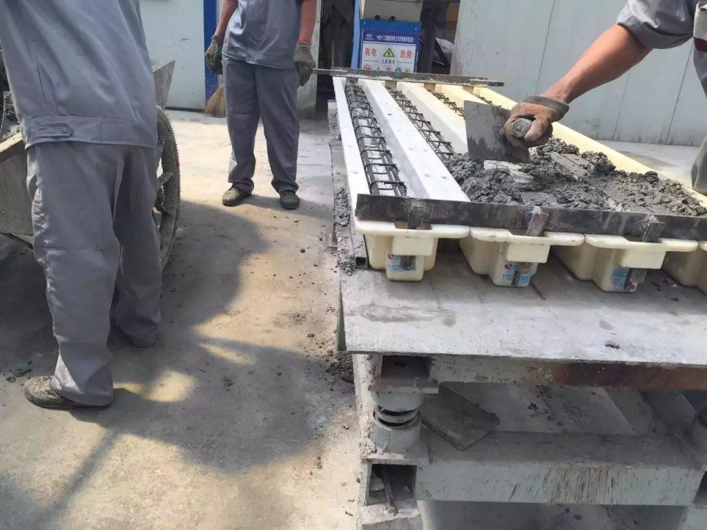 混凝土浇筑过程