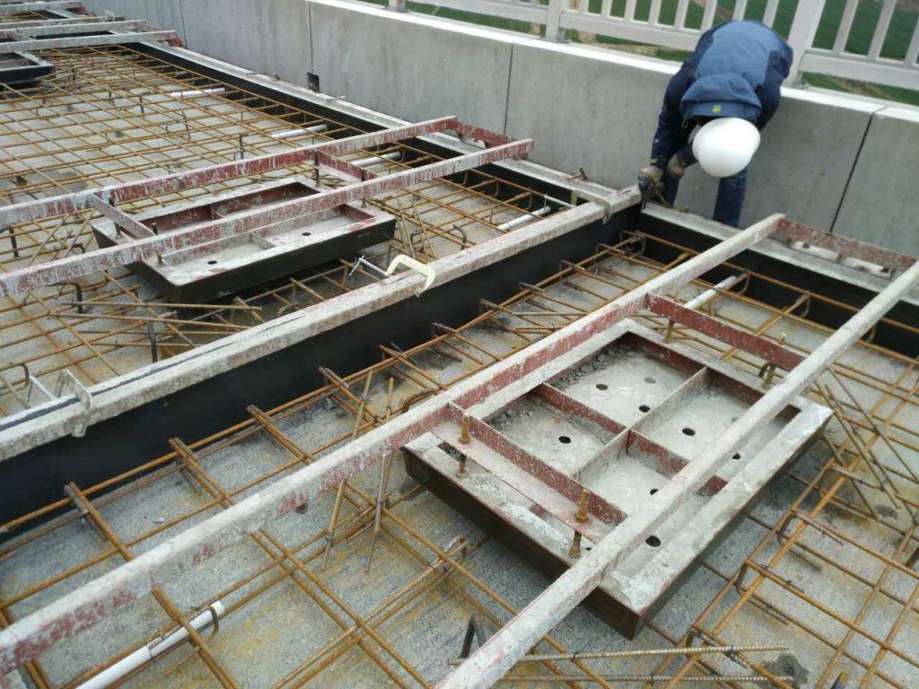 混凝土桥护栏钢模具