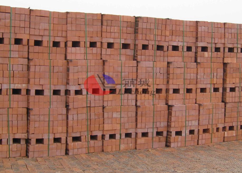 烧结多孔砖堆放