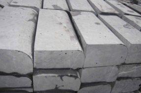 造成混凝土圆弧型路牙石模具脱模困难的因素
